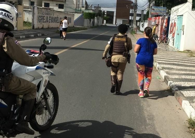 As duas correram juntas os 3 km que faltavam até a linha de chegada