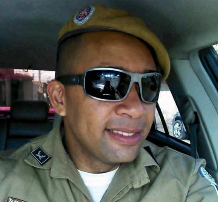 Florisvaldo foi atingido por um tiro no pescoço e morreu no local - Foto: Reprodução | Site Acorda Cidade-