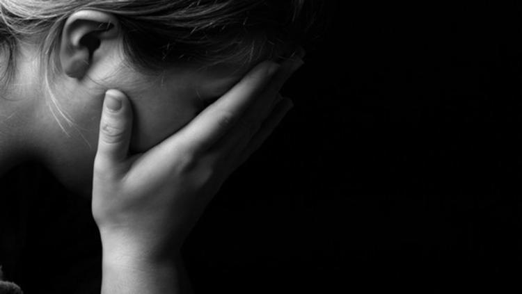 Mulheres jovens, grávidas ou em período pós-parto e idosas são as que mais sofrem com a depressão. Índice chega a ser 150% maior do que entre homens. - Foto: Shutterstock