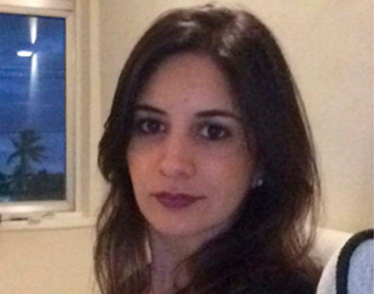Para a psicóloga Laiz Cardozo, a psicoterapia pode ajudar no tratamento da ansiedade