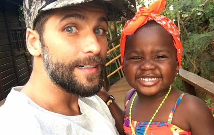 Bruno e Giovanna são pais de Titi, de cinco anos, adotada pelo casal em 2016 - Foto: Reprodução | Redes Sociais