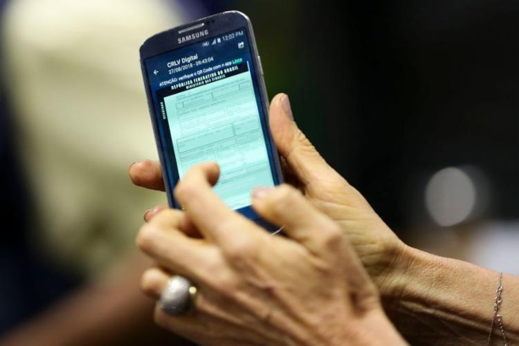 Até o fim do ano, o CRLV digital deve ser adotado em todos os estados - Foto: Marcelo Camargo l Agência Brasil