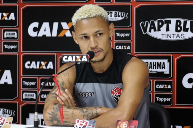 Atacante revelou pedidos do treinador logo em sua chegada - Foto: Divulgação   E. C. Vitória
