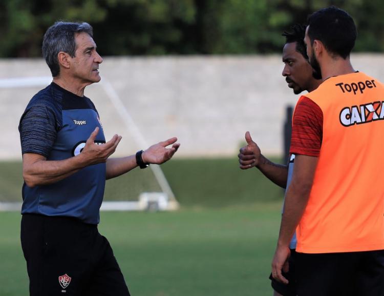 Treinador comandou a equipe carioca no início desta temporada - Foto: Divulgação | E. C. Vitória