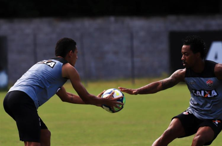 Carpegiani fez treino fechado à imprensa e não revelou titulares - Foto: Divulgação   E. C. Vitória