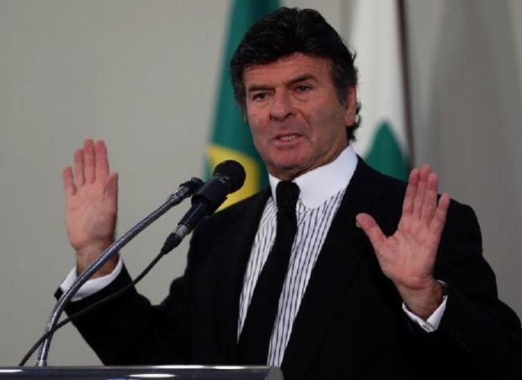 Na avaliação do ex-presidente do Tribunal Superior Eleitoral (TSE), a sociedade tem que se conscientizar de que primeiro tem de checar a fundo para depois compartilhar a notícia - Foto: José Cruz | Agência Brasil