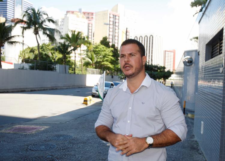 Para o corretor Felipe, os órgãos responsáveis pelas transações imobiliárias têm preferência em financiar com os jovens