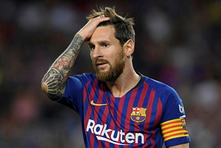 A ausência de Lionel Messi foi explicada pelo treinador durante a entrevista - Foto: Luis Gene | Reprodução | AFP