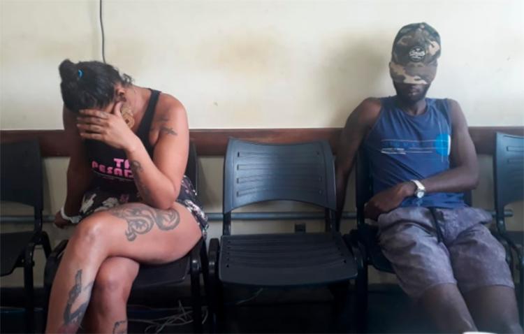 Segundo a polícia, Alais Santos e Hamilton dos Santos teriam ligação com o adolescente apreendido na última sexta, 3 - Foto: Aldo Matos | Reprodução | Site Acorda Cidade