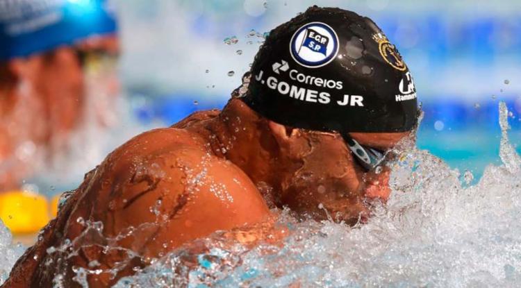 João Gomes Junior assegurou a medalha de bronze na disputa dos 100 metros peito - Foto: Satiro Sodré | SSPress | CBDA