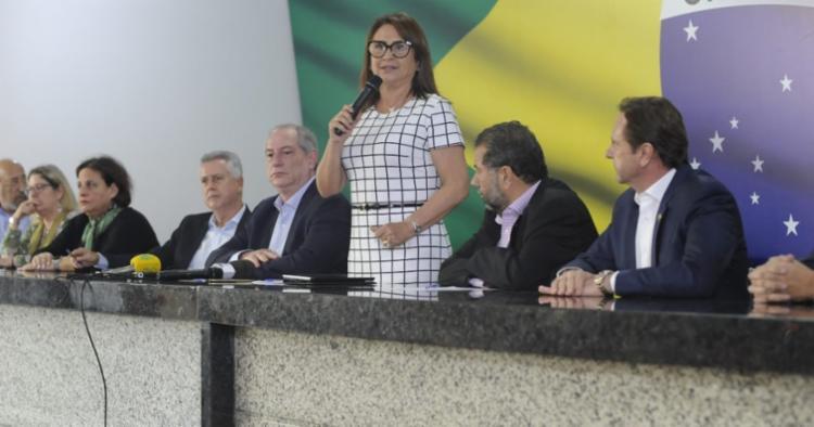 Kátia enfrentou seu partido, na época o MDB, ao defender a ex-presidente Dilma, afirmou Ciro - Foto: Alexandre Amarante   PDT   Divulgação