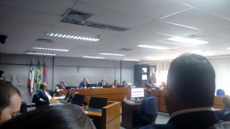 Desembargador pede vistas após dois votos a favor da realização de um novo julgamento - Foto: Raul Aguilar   Ag. ATARDE
