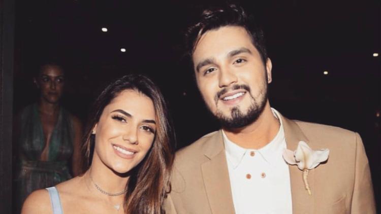 Na imagem, Luan e Jade no casamento de Camila Queiroz e Klebber Toledo - Foto: Reprodução | Instagram