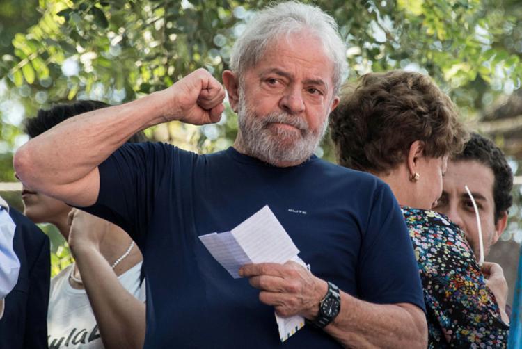 Pesquisas devidamente registradas no TSE tem conter o nome do petista - Foto: Nelson Almeida | AFP