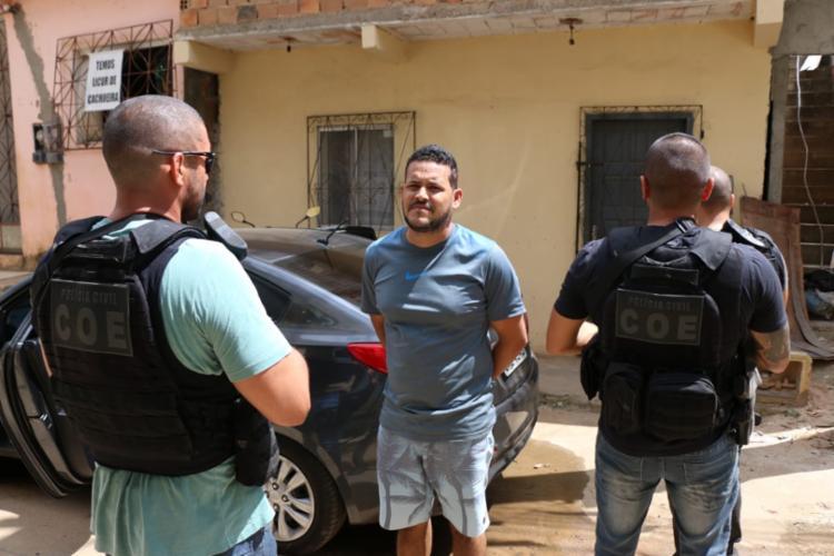 A equipe seguiu até casa de Leandro, em um terreno atrás do condomínio Colinas de Pituaçu - Foto: Divulgação | SSP-BA