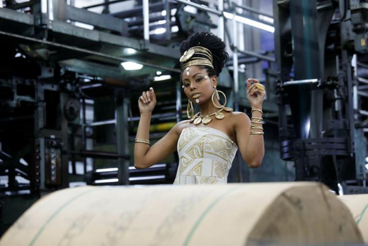 A estilista Madá Negrif mantém as estampas exclusivas de inspiração africana - Foto: Xando Pereira | Ag. A TARDE
