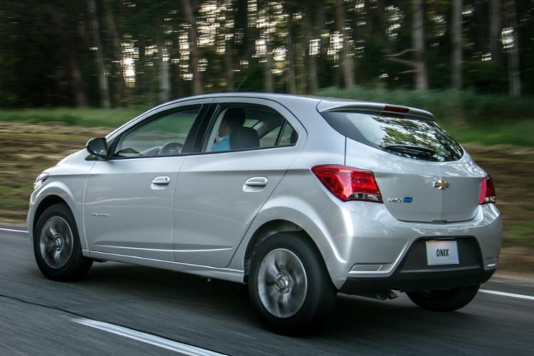 Chevrolet Onix e Prisma, Jeep Compass, Volkswagen Polo e Renault Kwid se destacaram nas vendas segundo dados da Fenabrave em 2018 - Foto: Divulgação