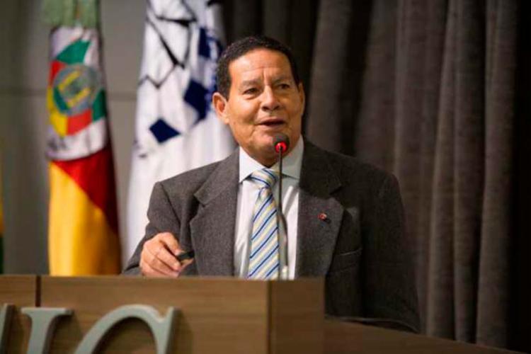 Hamilton Mourão falou na Câmara de Indústria e Comércio de Caxias do Sul - Foto: Júlio Soares | Divulgação