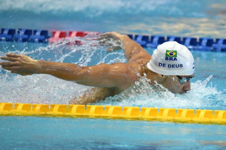 Leonardo de Deus assegurou a prata na prova dos 200 metros borboleta - Foto: Kazuhiro Nogi | AFP
