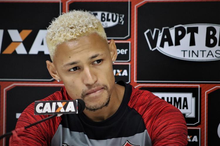 Atacante do Rubro-Negro quer retomar o caminho dos gols - Foto: Maurícia da Matta l EC Vitória