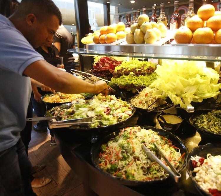 O restaurante Orgânico, no Salvador Shopping, é abastecido com fornecedores de fora e alguns poucos locais