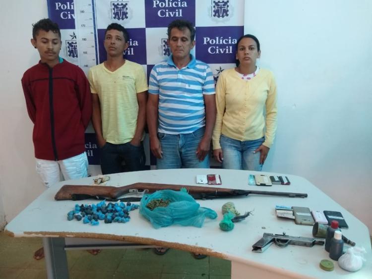 Com eles, foram apreendidos armas, drogas e celulares - Foto: Divulgação | SSP-BA