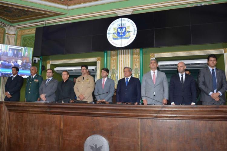 Autoridades estiveram presentes no ato solene realizado na Câmara Municipal de Salvador