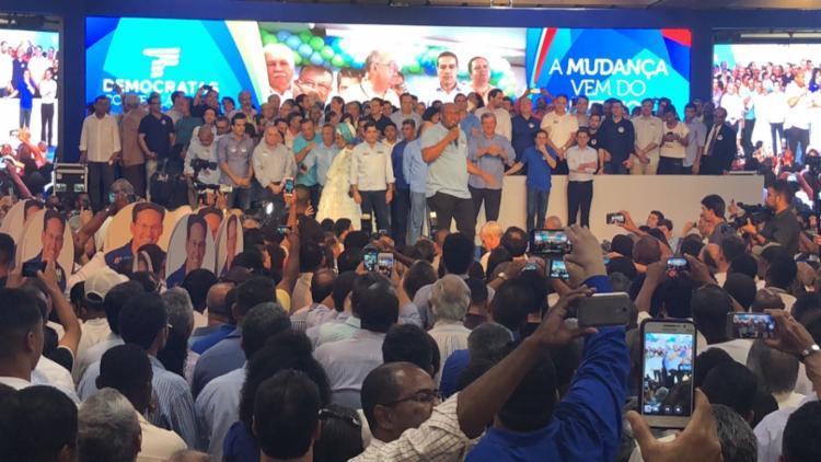 Convenção estadual do DEM acontece no hotel Fiesta, no Itaigara