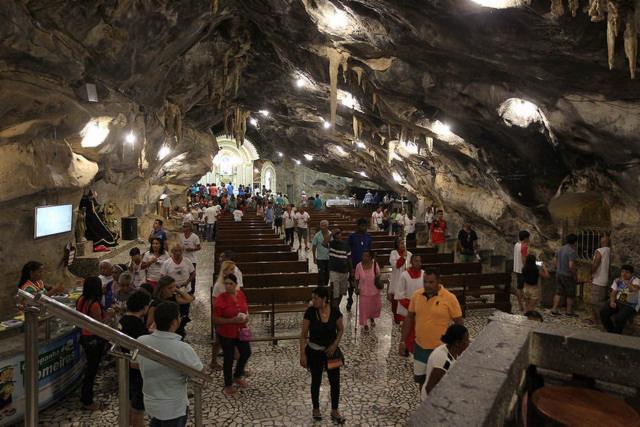 Sete capelas compõem o Santuário de Bom Jesus da Lapa, um dos principais atrativos do município