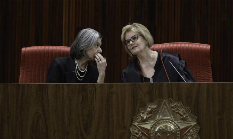 Ministra (à esq.) é a segunda mulher a presidir o tribunal em mais de 70 anos - Foto: Fabio Rodrigues Pozzebom l Agência Brasil
