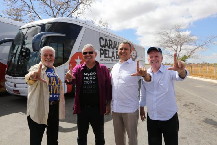 Governador e candidato à reeleição viaja com Wagner, Coronel e Leão no 'Buzu do Rui' - Foto: Divulgação