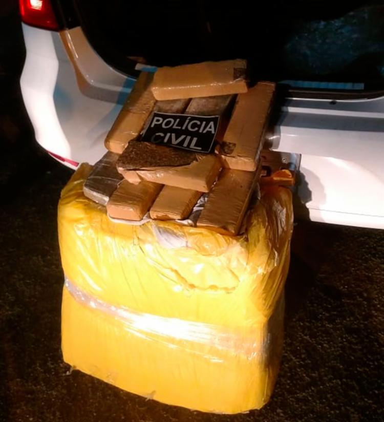 Droga de origem paraguaia foi apreendida momentos antes da troca por carros roubados