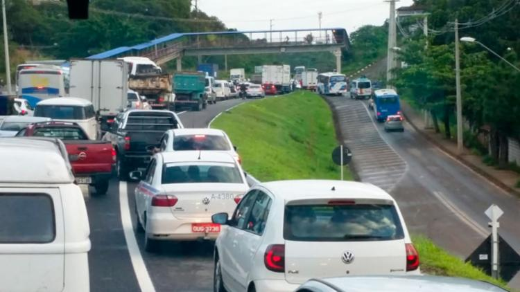 Motoristas enfrentam dificuldade no trânsito na região - Foto: Cidadão Repórter | Via WhatsApp