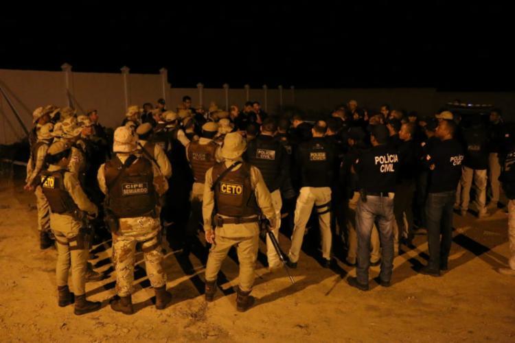 Cerca de 200 policiais participaram da ação