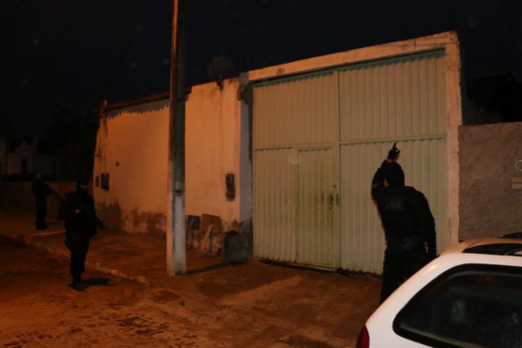 Casas foram vistoriadas pela polícia