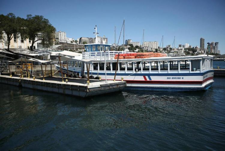 Além da suspensão, travessia marítima encerra operação mais cedo nesta segunda - Foto: Joá Souza   Ag. A TARDE