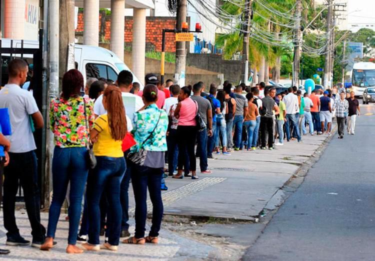 Número de desempregados sofreu uma redução de 9,2% em relação ao primeiro trimestre de 2018 - Foto: Edilson Lima | Ag. A TARDE