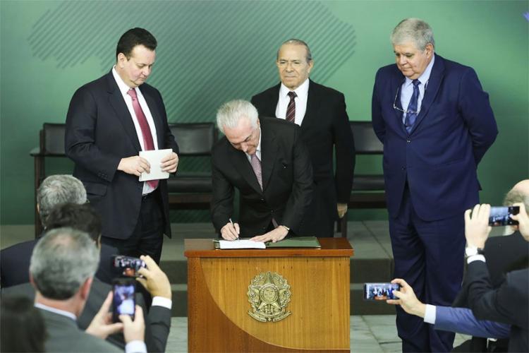 A norma entra em vigor depois de um período de transição de 18 meses - Foto: Valter Campanato l Agência Brasil