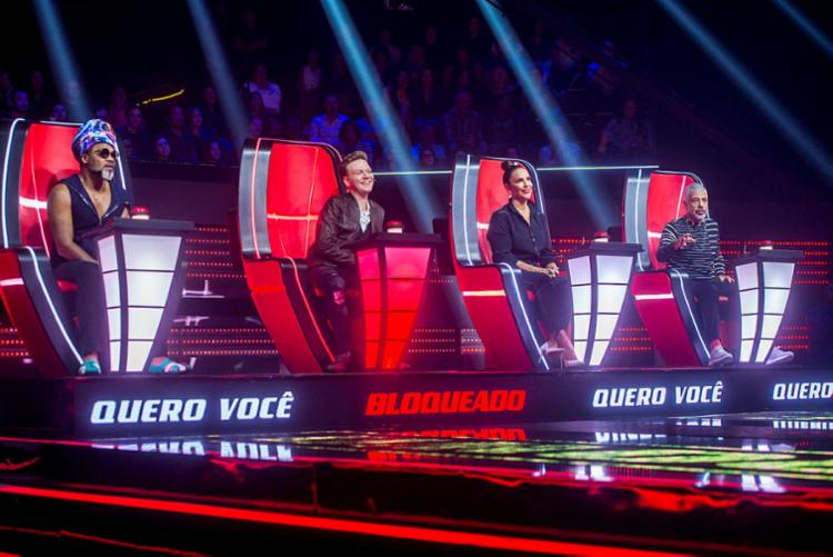 Três dos quatro técnicos possuem cantores baianos em suas equipes - Foto: Globo   Raquel Cunha