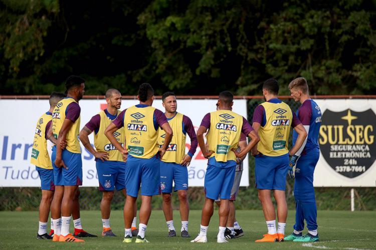 O técnico Enderson Moreira conversou com o atletas antes da atividade desta segunda-feira, 27 - Foto: Felipe Oliveira l EC Bahia