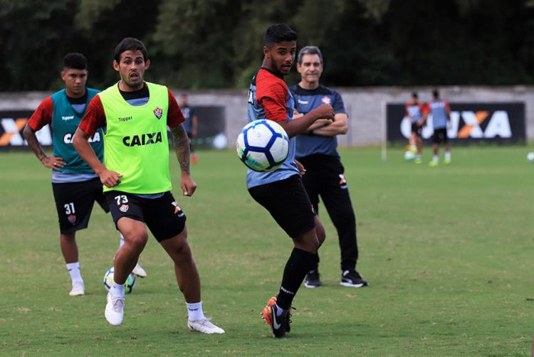 Parte do elenco do Leão participou de atividade sob o comando do técnico Paulo Cézar Carpegiani. - Foto: Maurícia da Matta l EC Vitória