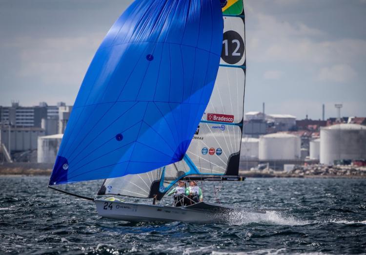 Samuel e Gabriela se juntaram a João Pedro Souto de Oliveira, na classe Laser, e Martine Grael e Kahena Kunze, na 49er FX - Foto: Jesus Renedo | Sailing Energy