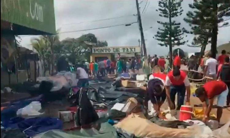 Brasileiros atacaram barracas e abrigos dos imigrantes - Foto: Reprodução | Globo News