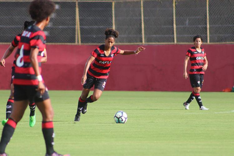 Tainara disse que espera voltar com o título para o Brasil - Foto: Maurícia da Matta   EC Vitória