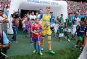 Crianças com deficiências são homenageadas durante jogo do Bahia | Foto: Felipe Oliveira | EC Bahia