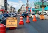 Concretagem em via exclusiva de ônibus causa lentidão na av. Paulo VI | Foto: Divulgação | Transalvador