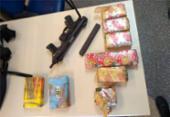 Submetralhadora e tabletes de drogas são encontrados na RMS | Foto: Divulgação | SSP-BA