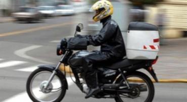 Vítimas entregam cartão ao motoboy para uma averiguação - Foto: Divulgação | Detran