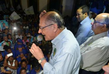 Em meio à confusão, Alckmin faz campanha no centro de Salvador | Shirley Stolze | Ag. A TARDE