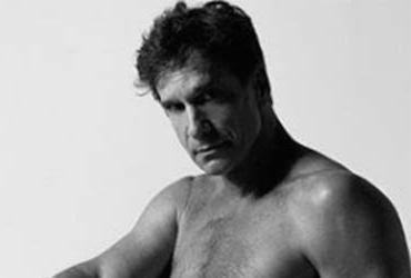 Aos 60 anos, ator Victor Fasano posa nu e fãs elogiam | Brunno Rangel | Reprodução | Instagram